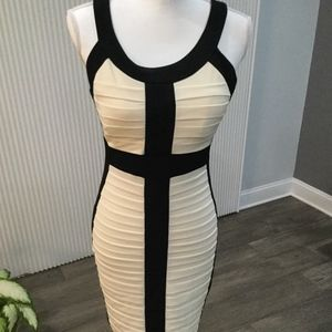 Cache beige & black sexy dress